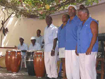 A group of <i>coros de clave</i>, Historic Trinidad