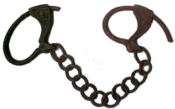 Iron foot shackles
